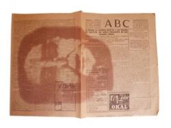 Cara de Bélmez aparecida en el periódico que envolvía un bocadillo